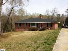 103 Pine Cir, Laurens, SC 29360