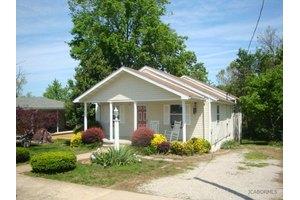306 W Cedar St, California, MO 65018