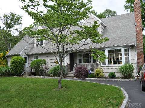 match & flirt with singles in east moriches For sale: 4 bed, 35 bath ∙ 4047 sq ft ∙ 9 inlet view path, east moriches, ny 11940 ∙ $899,999 ∙ mls# 3002482 ∙ for a year-round lifestyle or summer retreat, this chic home in the baywoods neighb.