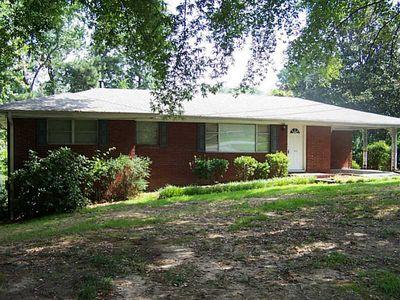 1965 Skyview Cir, Douglasville, GA