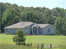 4124 Van Dyke Rd, Paris, TN 38242