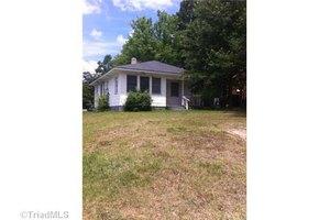 1216 Pearson St, Greensboro, NC 27406