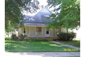 1024 5th St, Fairbury, NE 68352
