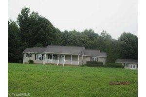 3350 Huffines Dr, Burlington, NC 27217