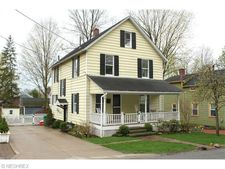 52 E Cottage St, Chagrin Falls, OH 44022