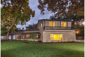 518 E Griffith Way, Fresno, CA 93704