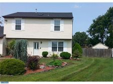 6 Sutton Ct, Marlton, NJ 08053