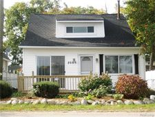 8665 Cooley Lake Rd, Commerce Township, MI 48382