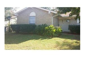 6551 Leaning Oaks St, Dallas, TX 75241