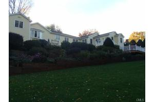 21 Hickory Hill Rd, Brookfield, CT 06804