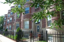 544 E 44th St Apt 3, Chicago, IL 60653