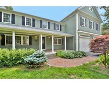 11 Reeves Rd, Bedford, MA 01730