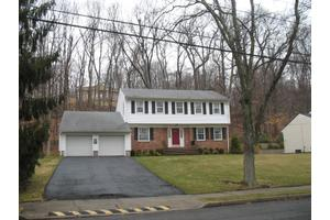 682 Kennedy Dr, Washington Twp., NJ 07676