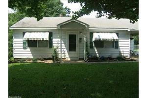 902 Oakwood, Benton, AR 72103