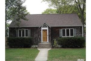 1 Monmouth Pl, Melville, NY 11747