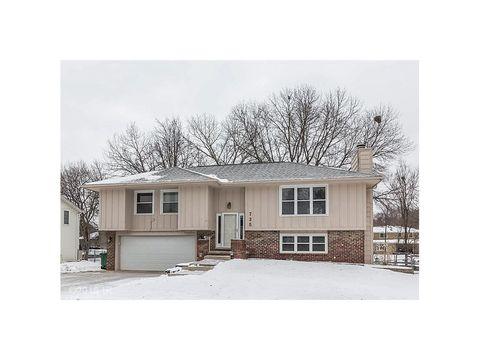 725 46th St, West Des Moines, IA 50265