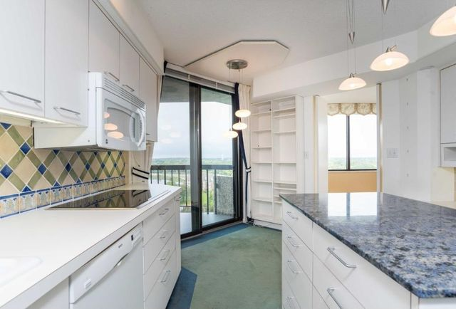 6566 france ave s ph 10 edina mn 55435. Black Bedroom Furniture Sets. Home Design Ideas