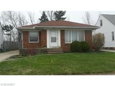 12025 Tonsing Dr, Garfield Heights, OH 44125