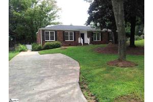 609 Great Glen Ct, Greenville, SC 29615