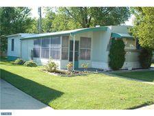 221 White Oak Dr, Pennsville, NJ 08070