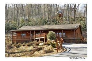 374 Green Mountain Rd, Hendersonville, NC 28792