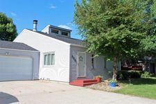 509 2nd St Nw, State Center, IA 50247