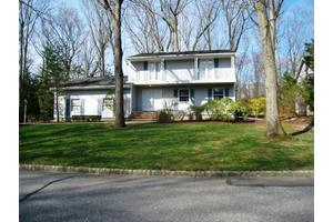 3 Gloucester Ct, East Brunswick Twp., NJ 08816
