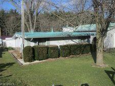 8355 Walnut St Sw, Sherrodsville, OH 44675