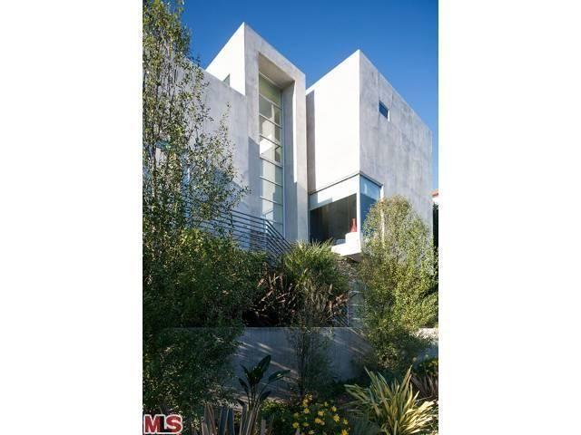 2431 Apollo Dr, Los Angeles, CA 90046