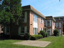 1661 Green Bay Rd Apt 1A, Highland Park, IL 60035