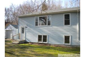 2217 Hillview Rd, Mounds View, MN 55112