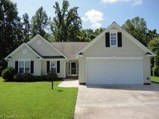 304 Mallard View Ln, Winston Salem, NC 27127