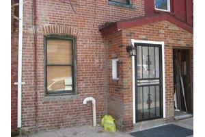 123 Willow Ter, Hoboken, NJ 07030