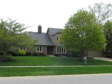 1830 Continental Dr, Zionsville, IN 46077