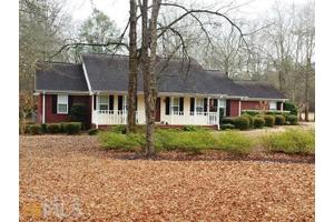 21 Jones Ave, Hawkinsville, GA 31036