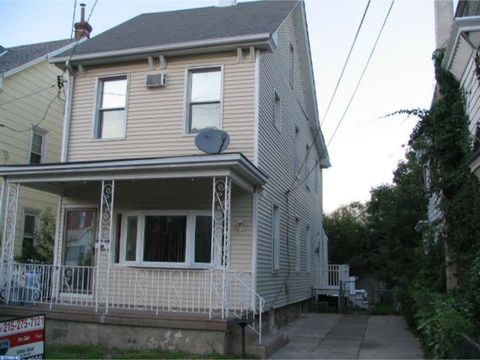 4317 Rhawn St, Philadelphia, PA 19136