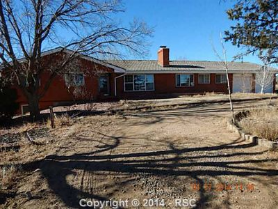 6870 Rolling View Dr, Colorado Springs, CO