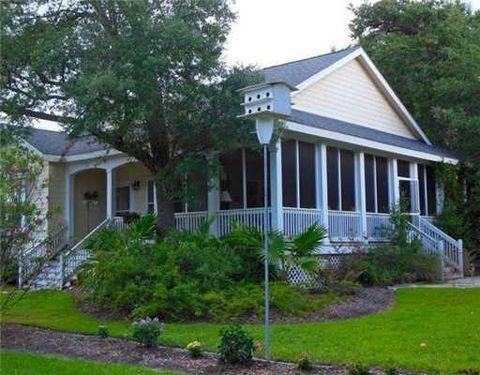 117 Ramoneda St, Bay Saint Louis, MS 39520