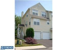 7501 Juniper Ln, Palmyra, NJ 08065