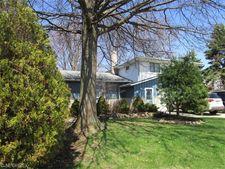 13542 Trenton Trl, Middleburg Heights, OH 44130