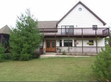 2318 N Wildwood Dr, Lake Villa, IL 60046