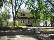 811 S Menlo Ave, Sioux Falls, SD 57104