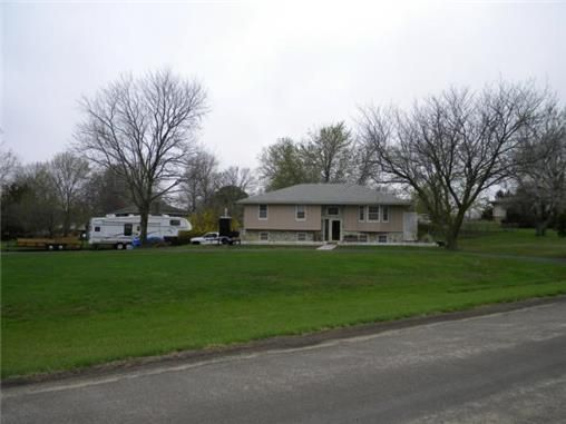 bonner springs singles 27 single family homes for sale in bonner springs ks view pictures of homes, review sales history, and use our detailed filters to find the perfect place.