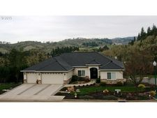 228 Winchester Creek Ave, Winchester, OR 97495