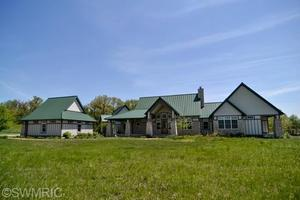 11121 Vineyard Way, Buchanan, MI 49107