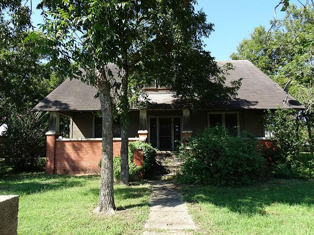 601 w front st sealy tx 77474 home for sale and real