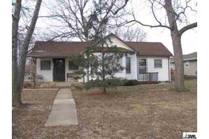 924 Washington St, Lyndon, KS 66451