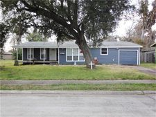 306 Center Way St, Lake Jackson, TX 77566
