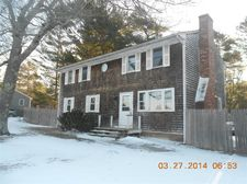 57 Mayflower Ln, East Wareham, MA 02538