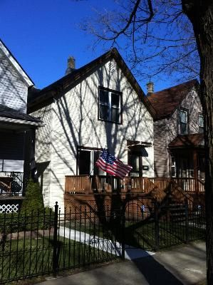 4542 N Oakley Ave Chicago, IL 60625